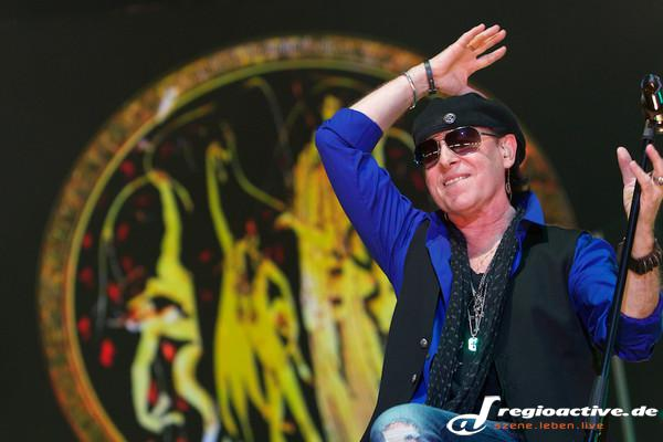 Klassisch oder antik? - Fotos: Scorpions: MTV Unplugged live in der o2 World in Hamburg